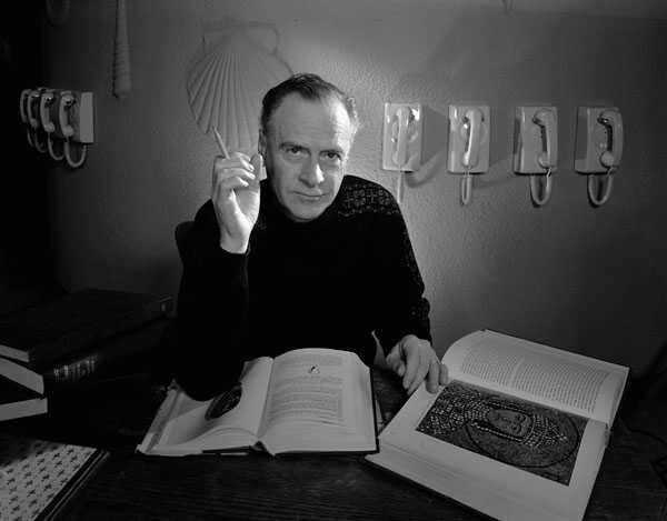 Marshall McLuhan and Eastern Christianity: Probing an Interfaith Interface with the Symbolic World in Mind
